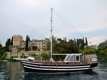 Picture of MOTOR SAILER -LAGO DI GARDA